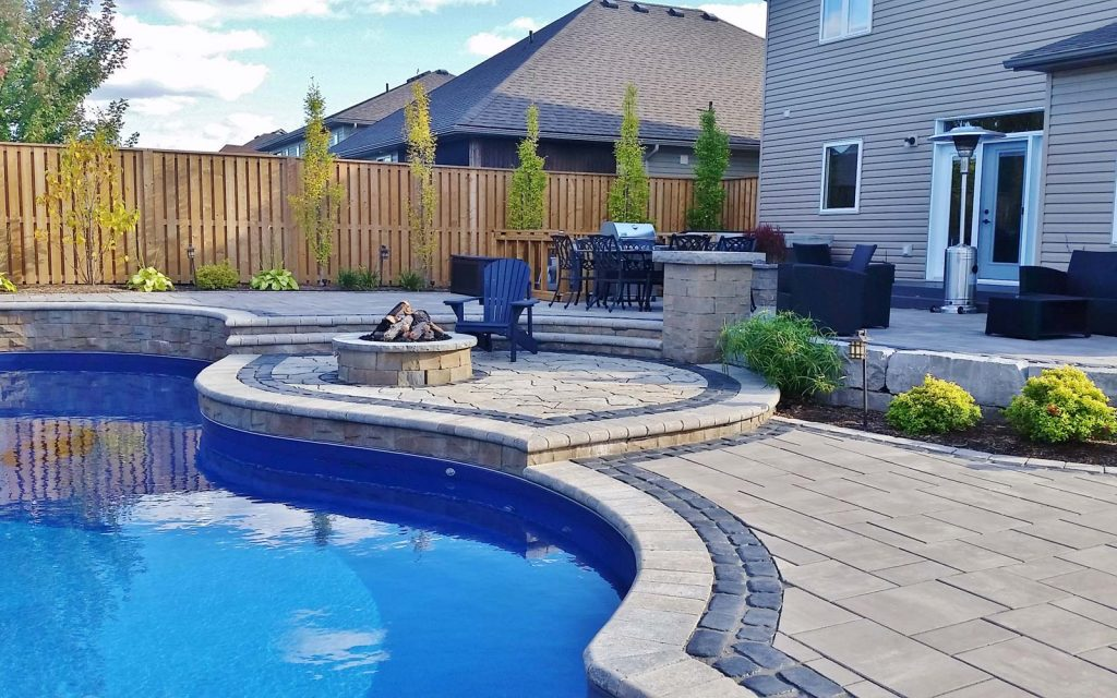 smithville pool and back yard