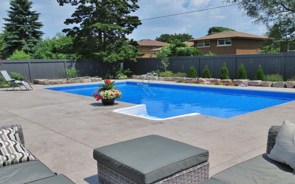Contemporary Pool Design in Hamilton